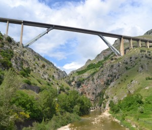 Il viadotto Platano sul Raccordo