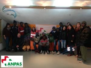 Volontari lucani dell'Anpas con gli immigrati