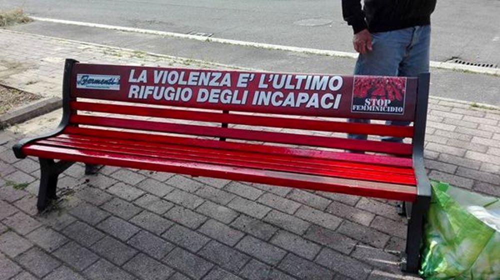 Atessa: una Panchina Rossa per ricordare le vittime del femminicidio