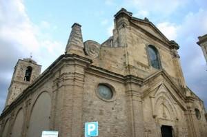 La Chiesa Madre di Miglionico: oggi alle 15 i funerali del giovane
