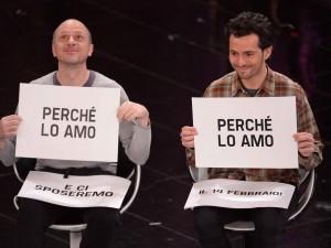 Nella foto una coppia gay straniera: come loro, anche il lucano Francesco Pirozzi convolerà a nozze con Eugene