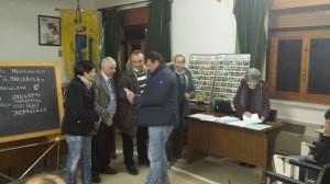 Assessore D'Angelo e Sindaco durante consegna attestati