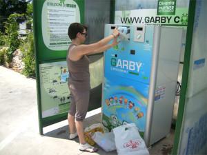 """Un eco-compattatore """"Garby"""""""
