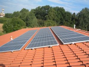 A Pescopagano impianto fotovoltaico su una scuola