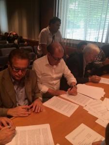 La firma dell'accordo a Cuneo