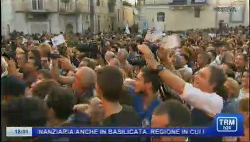 Una folla immensa a Matera: tutti in festa