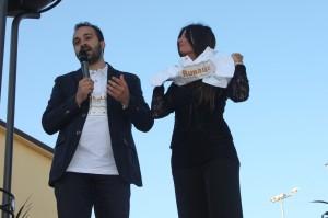 Doriano Pitta della società IRIDIA che organizza le Ruraliadi con la presentatrice Annamaria Sodano