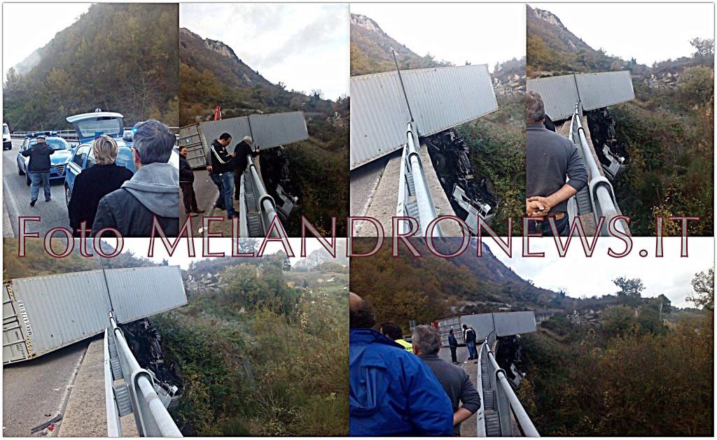 """Alcuni scatti dell'incidente verificatosi questa mattina a Sant'Angelo Le Fratte, sulla """"Isca-Pantanelle"""" - Foto WWW.MELANDRONEWS.IT"""