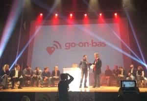 Giuseppe Pitta di Progetto Neco sul palco del Don Bosco con Riccardo Luna