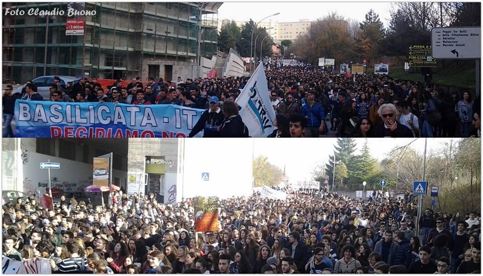 I tantissimi manifestanti, partiti questa mattina da Piazza Don Bosco, e giunti nell'area della Regione Basilicata