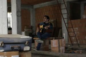 Rocco Pace durante le riprese per il video dell'ultimo singolo