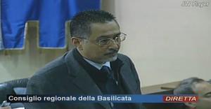 Marcello Pittella durante la discussione su articolo 38 e Sblocca Italia
