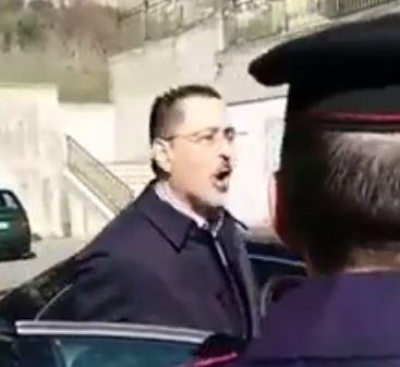 Pittella a Picerno durante la contestazione di dieci giorni fa