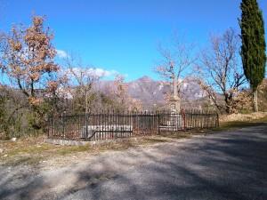 La  piccola struttura situata lungo la strada che porta al Cimitero. La croce sarà installata a breve (foto Claudio Buono)