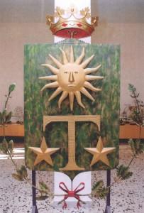 Lo stemma in ferro realizzato da Taurisano (foto Giuseppe Catone)