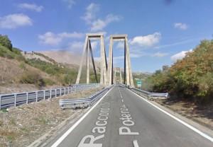 Il raccordo autostradale all'altezza di Vietri di Potenza