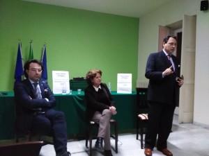 Da sinistra verso destra: il Sindaco Giovanni Lettieri, Filomena Martino del Comitato e Massimo Calenda