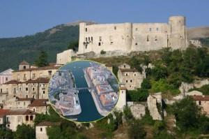 Il Castello di Brienza e nel fotino uno scorcio di Taranto