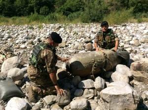 I militari a lavoro stamattina (foto Esercito Italiano)