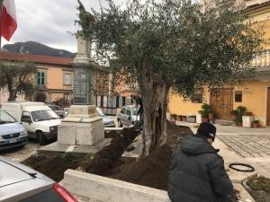 I lavori per l'illuminazione a led in piazza del Popolo