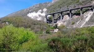"""Il 6 aprile scorso la demolizione di due delle diciassette campate del viadotto """"Pietrastretta"""" a Vietri di Potenza"""